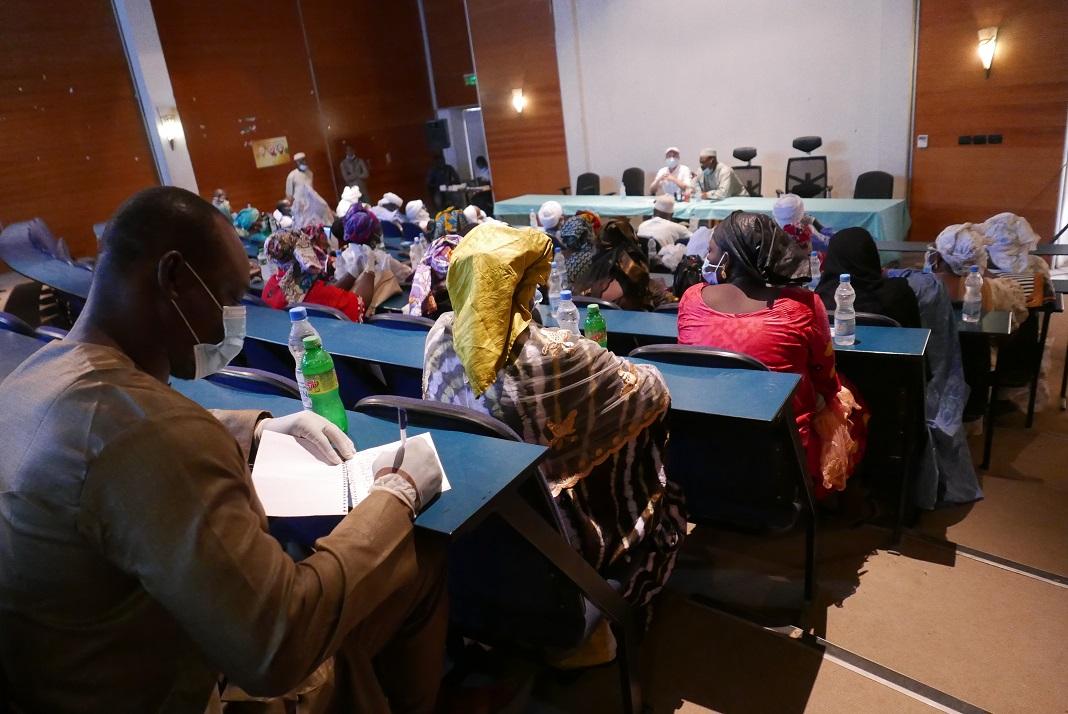 #Mali 🇲🇱 - #Tombouctou : Une réflexion sur les dividendes de paix pour commémorer la journée mondiale de la #paix. #PEACEDAY2020   Cliquez ici 📰➡️ https://t.co/mNfPiJRmRx https://t.co/XHwBscHcUb
