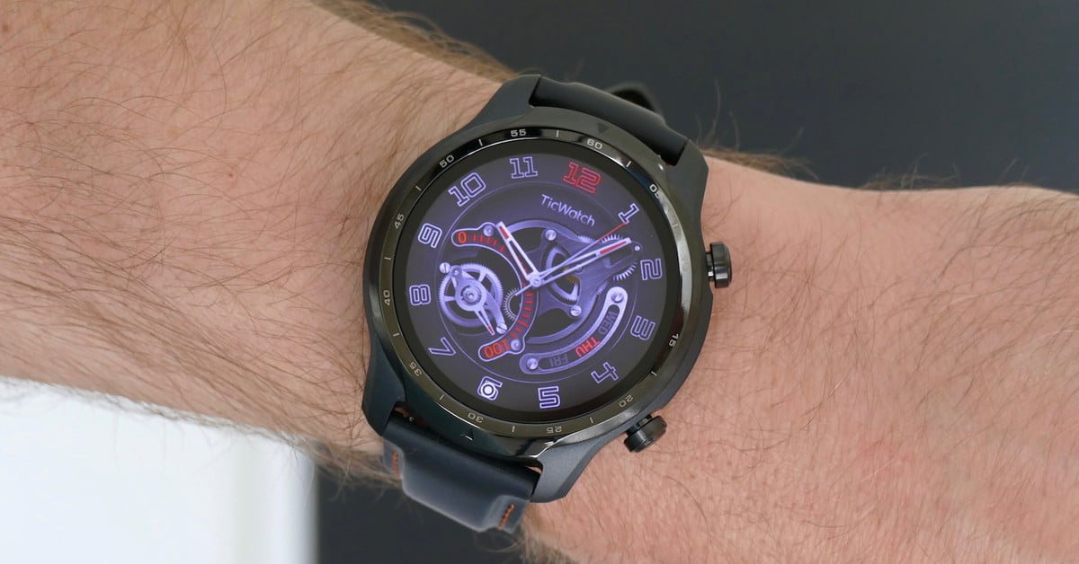 TicWatch 3 Pro is the first Wear OS smartwatch with a Snapdragon Wear 4100 chip https://t.co/BXFIxD85H8 >>> https://t.co/z9jMSt6JyR #digitalhealth #industry40 #healthcare #mhealth #wearables #healthtech #IoT #AI https://t.co/JuHGq6LOn2