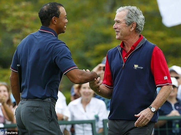 """""""Achievements on the golf course are not what matters, #decency and #honesty are what matter.""""  ~ #TigerWoods   Seen pictured with #President George #W #Bush   #CommanderInChief #43 #Civility #Compassion #KinderGentler #UnitedWeStand #Thorpe #HealAmerica #USA 🇺🇸🇺🇸🇺🇸 https://t.co/Hq6Zmq1D7f"""