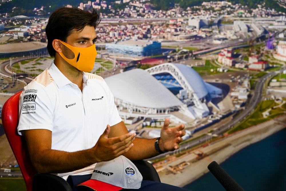 "🇷🇺 Carlos Sainz, prudente ante el GP de Rusia: ""Prefiero no hacer predicciones"" // Carlos Sainz, cautious ahead of the Russian GP: ""I don't want to make any predictions""  👉https://t.co/NOJrFH0wer 👉https://t.co/NaWCtz4kxE  #CarlosSainz @McLarenF1 @EG00 https://t.co/yaMlOdoqgB"