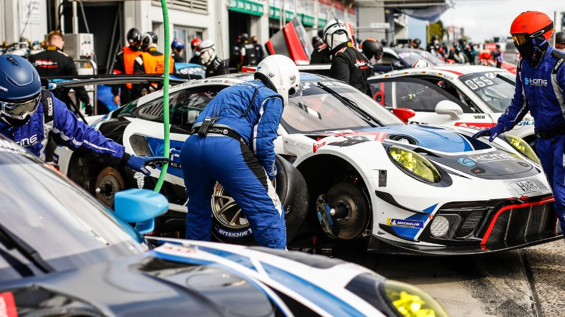 #24hNBR - Final preparations in the pits @24hNBR for the second qualifying @nuerburgring #Nordschleife #Porsche #911GT3R. Session goes green at 20:30 CEST   Follow livestream and find further information here⬇️ https://t.co/5DbkGkigWh https://t.co/URgXtpQYv0