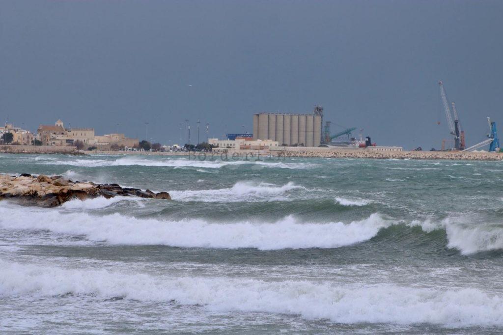 #Maltempo in #Puglia, nuova allerta della Protezione civile per venti e piogge  https://t.co/HGTwIRLAYQ #Primopiano https://t.co/4cA0xbN0B1