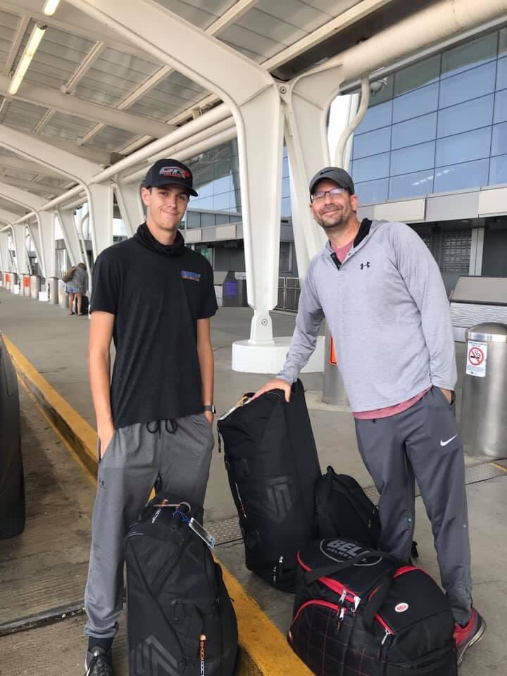 I've heard some parents joke after their kids turn 18, they're out! 2 weeks after our kid turned 18, we sent him to another continent for almost 6 weeks! 😳 (Fortuitous placement for me on top of the curb to be the same height) @JacksonLee52 @TeamUSASchol https://t.co/HvlHWtRdwn