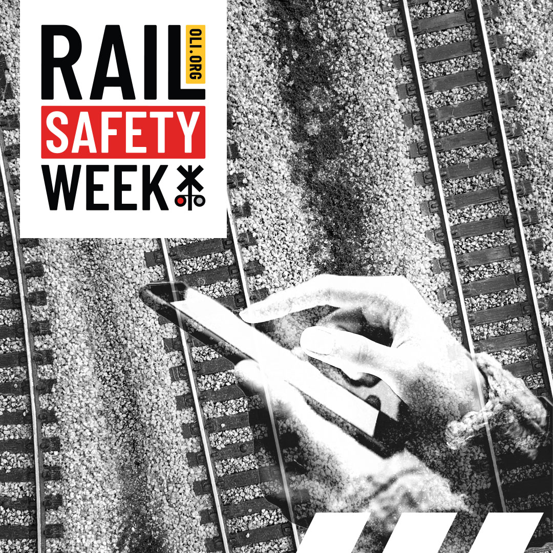 #RailSafetyWeek Day 5: Forget about using #RailroadTracks as a backdrop for #SocialMediaImages. Taking photos or videos on tracks is both dangerous & illegal. https://t.co/oB3fl15qOY