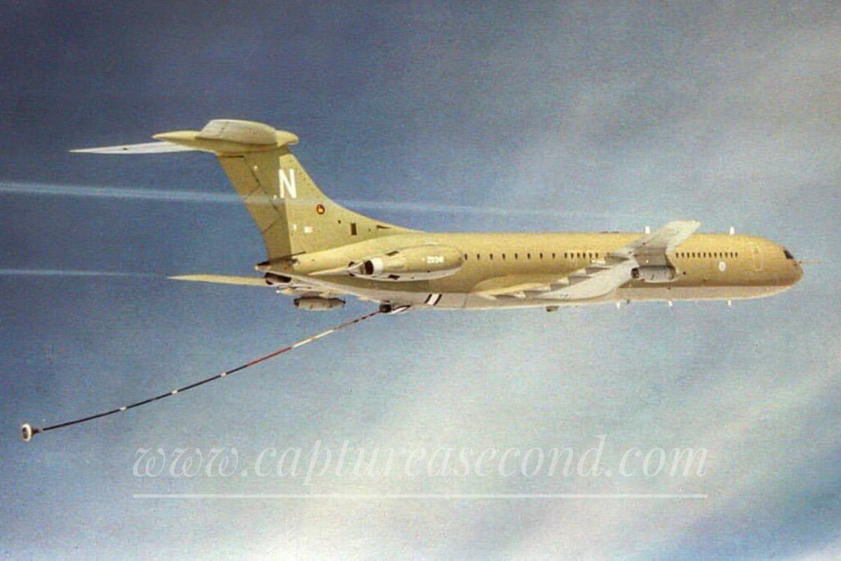 About to refuel from @ZD241_VC10 #zd241 #raf #jet #hdu #hose #drogue #aircraft #vc10 #aeroplane #noordinaryjob #aviation #avgeek #captureasecond https://t.co/WzdPJbGGXb