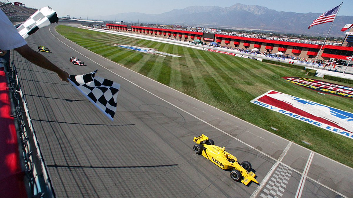 This week's Classic Rewind takes us back to September 2003 for the fastest race in motorsports history at @ACSupdates where the average speed was 207 mph.   Watch: https://t.co/LEJqts9ccX  #INDYCAR https://t.co/MYagxLrLR0