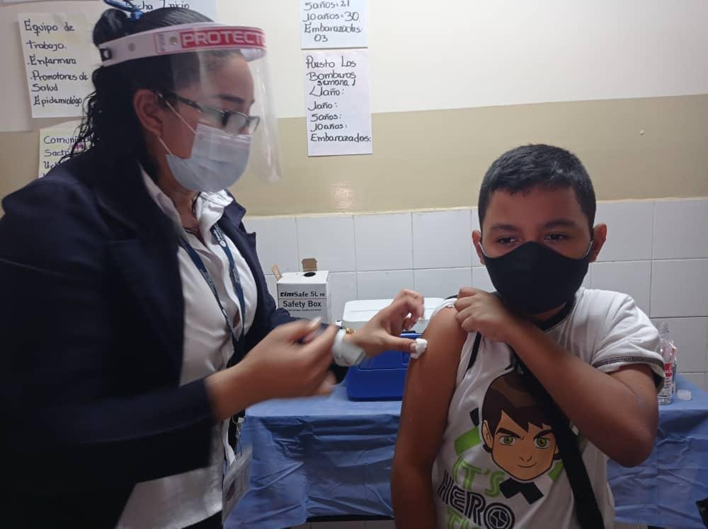 #EnFotos 📸 | Desde el Ambulatorio Leonardo Ruíz Pineda II ubicado en San Agustín, la Jefa de Gobierno del Distrito Capital, @JacquelinePSUV  informó que  desde el 15 de septiembre hasta la fecha se han colocado 26 mil vacunas  #MaduroVictoriosoEnLaONU https://t.co/ErHUEOGsMn