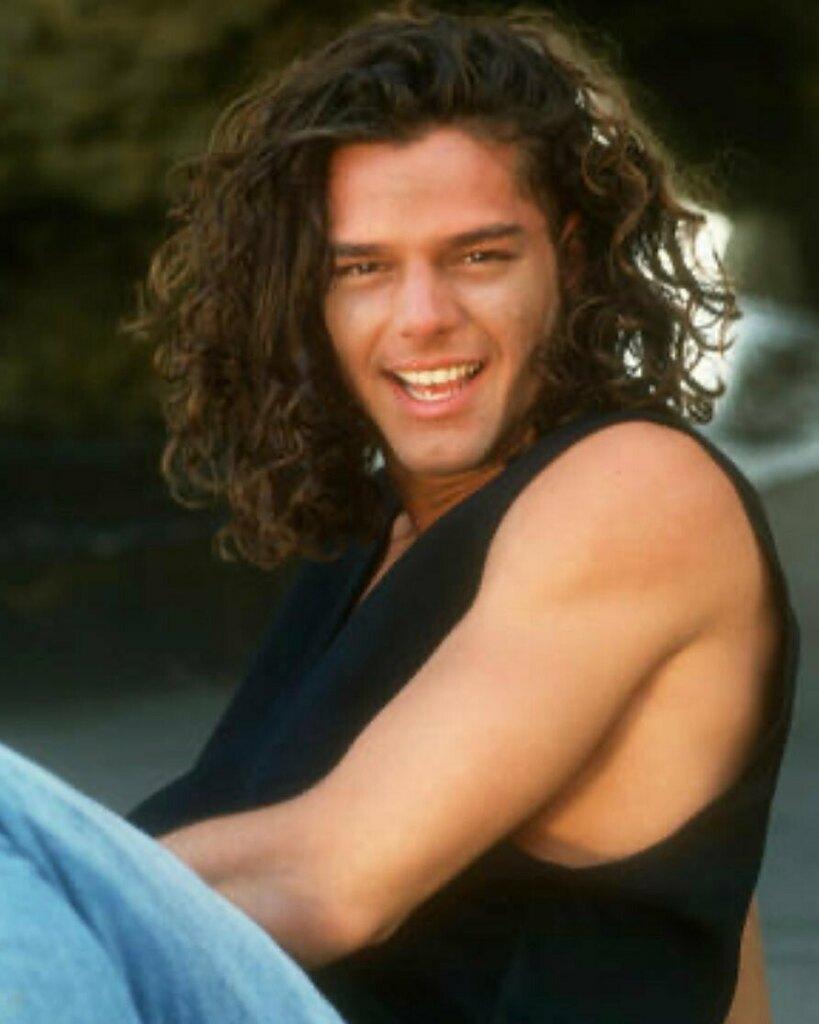 #tbt @ricky_martin siempre hermoso!!🥰😘❤️ #los90 #tbt❤️ #rickymartin #loveyou #boricua #desquiciadasrm @gy_rm @desquilore @anto_nieva #teamdesqui #fanpage #argentina #sexysouls  . . . . . . . #newpost #instagram #ricky_martin #cute #king #latinmusic #singer #puertorico #insta… https://t.co/ygMGkxin4K