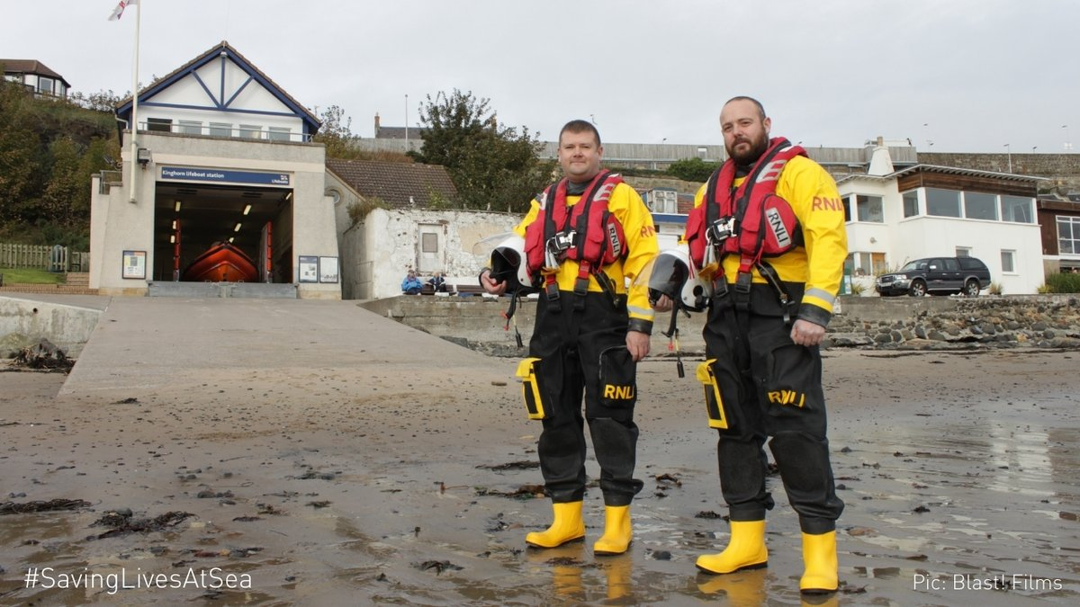 The 3,000 residents of Kinghorn in Scotland populate both the @rnli_kinghorn and Coastguard stations. With courage, passion, talent and kindness, volunteers like Scott and Robert give up their time to make the coast a safer place. #SavingLivesAtSea https://t.co/j4JwkpgrDa