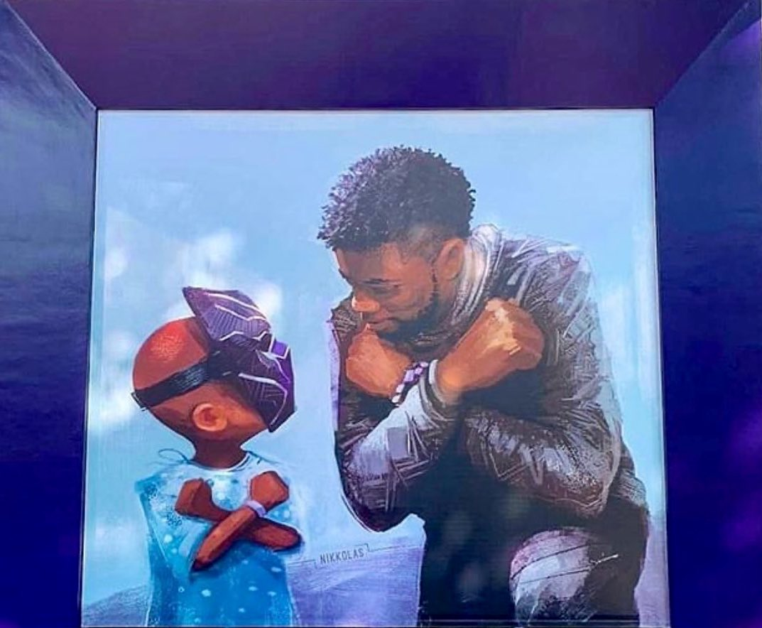 .@Disney unveils touching Chadwick Boseman #BlackPanther tribute mural from artist Nikkolas Smith  brb...crying    🎨: @4NIKKOLAS 📍:  Downtown #Disneyland    #WakandaForever 🐾👑 #KingChad https://t.co/Fp56itzM2J