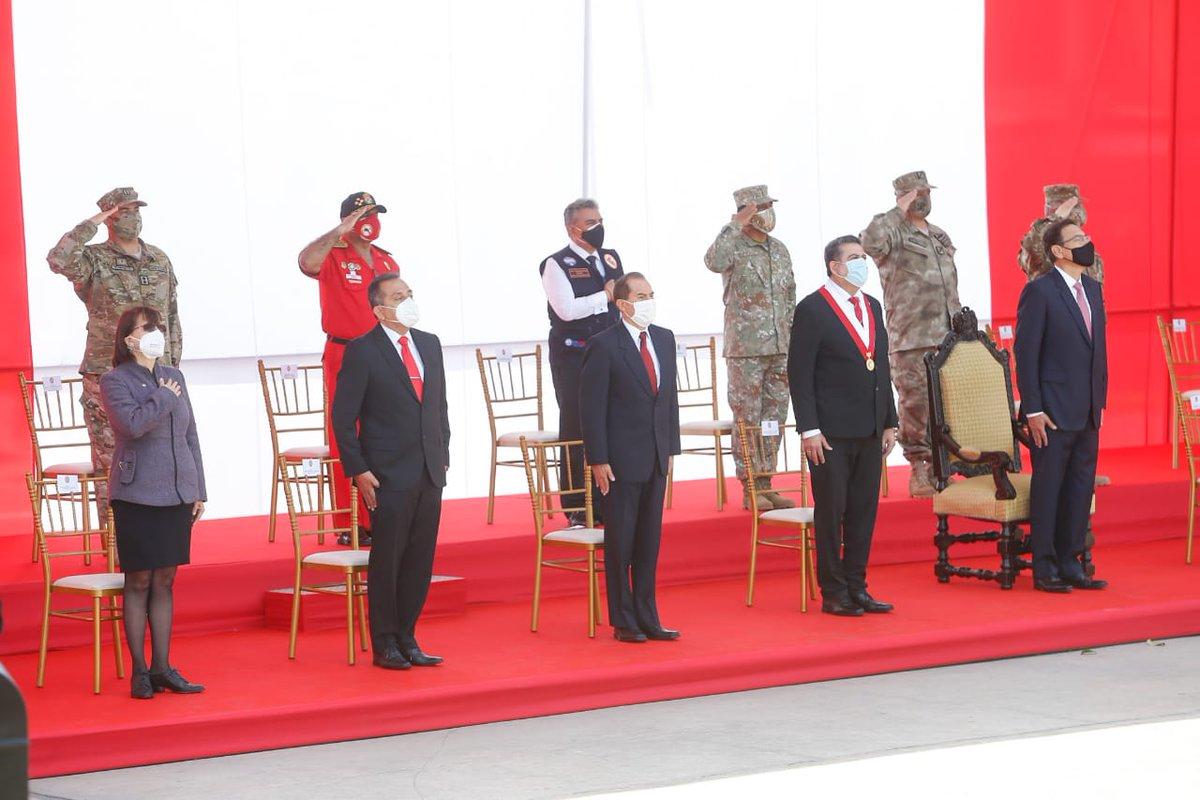 La ministra Pilar Mazzetti participó junto al presidente de la República, @MartinVizcarraC, el titular del @congresoperu y ministros de Estado, en la ceremonia por el Día de las Fuerzas Armadas y homenaje a la Virgen de La Merced, Gran Mariscala y Patrona de las Armas del Perú. https://t.co/NE2QM2omq2