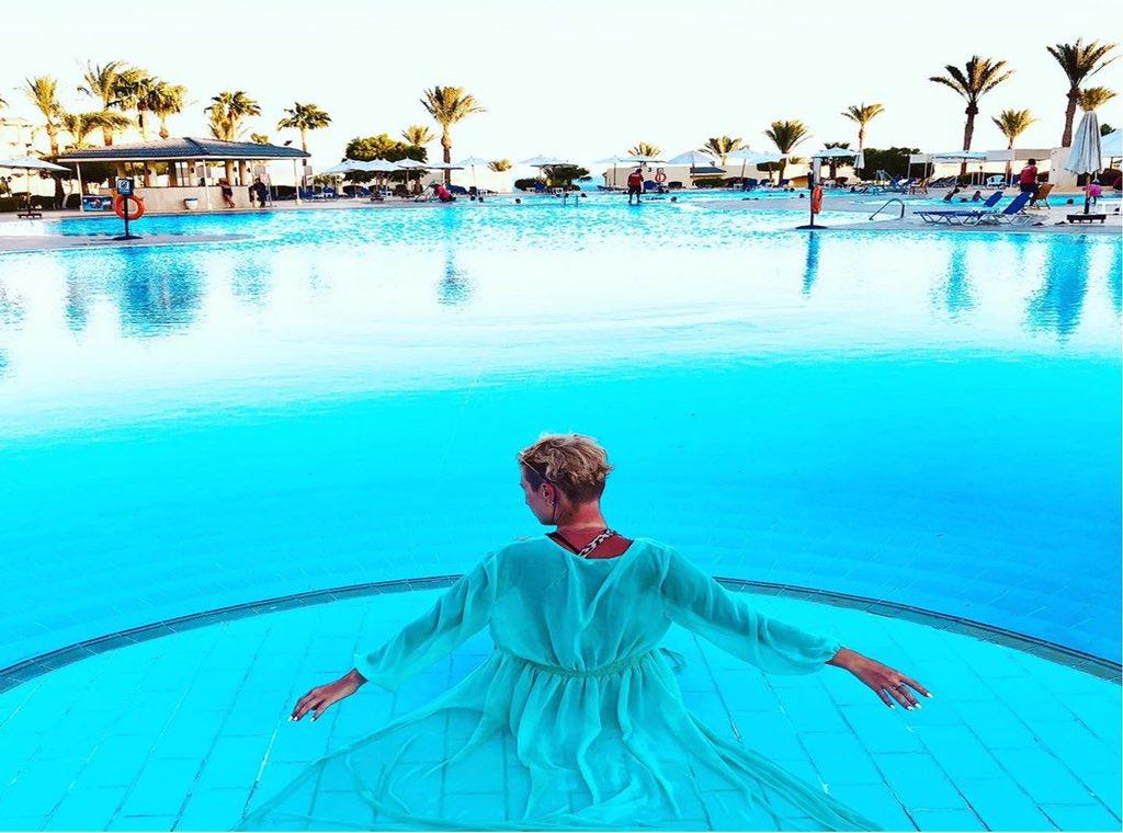 Relaxing days are best spent by Grand Oasis magnificent pool.    📸 olavasilec #SavoyGroupSharm #GrandOasisResort #SharmElSheikh #RedSea https://t.co/BkYRQ0MUFD