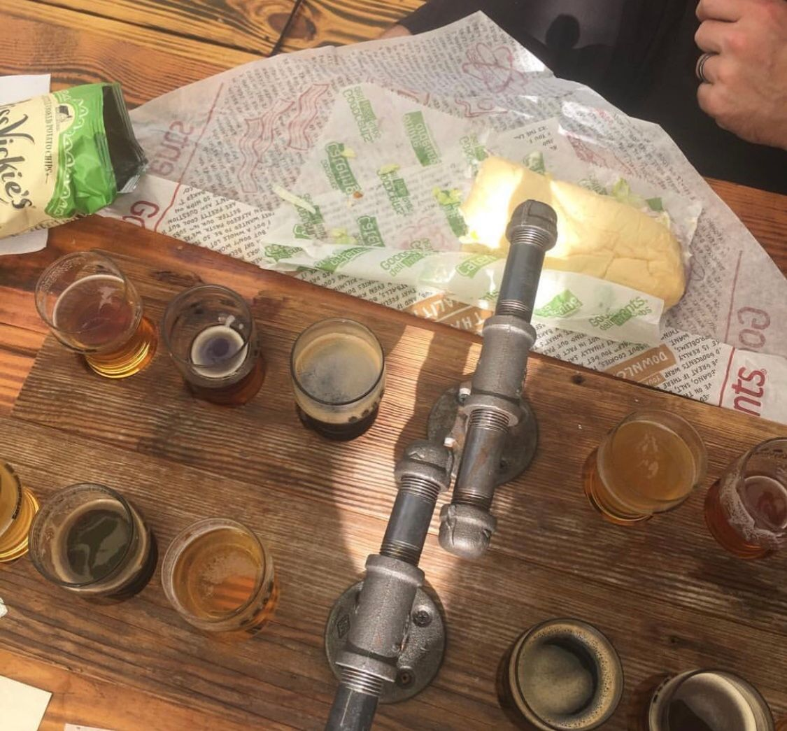 Grab your dinner and grab a Beer Flight!  We are open from 2-10pm so come fill your flight with any of our beers!  #craftcurious #beerflight #noairplanes #tryemall #beertasting #untappd #flight #independentbeer #springfieldmo #sgf #417land #firsttimers #alltimers #4by4brewingco https://t.co/qLSckTXQX2