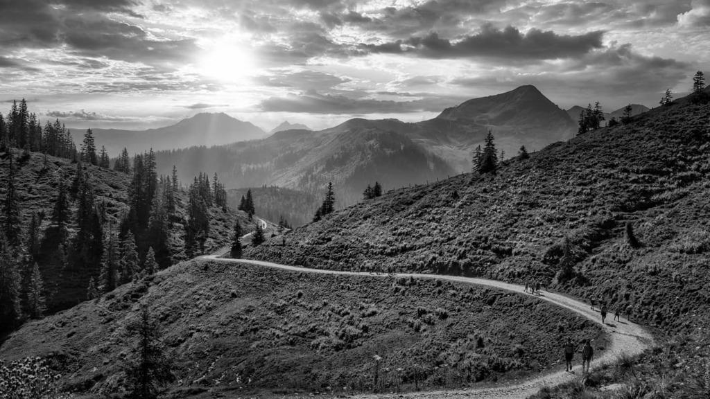 Tirol anno 2020  #sonyalpha #vintageminoltalens #vintagelenses #vintagelens #minoltamdzoom35_70f35 #blackandwhite #blackandwhitelandscape #tirol #austria🇦🇹 https://t.co/kuP3lY8UjJ https://t.co/GmHcHWiEvC