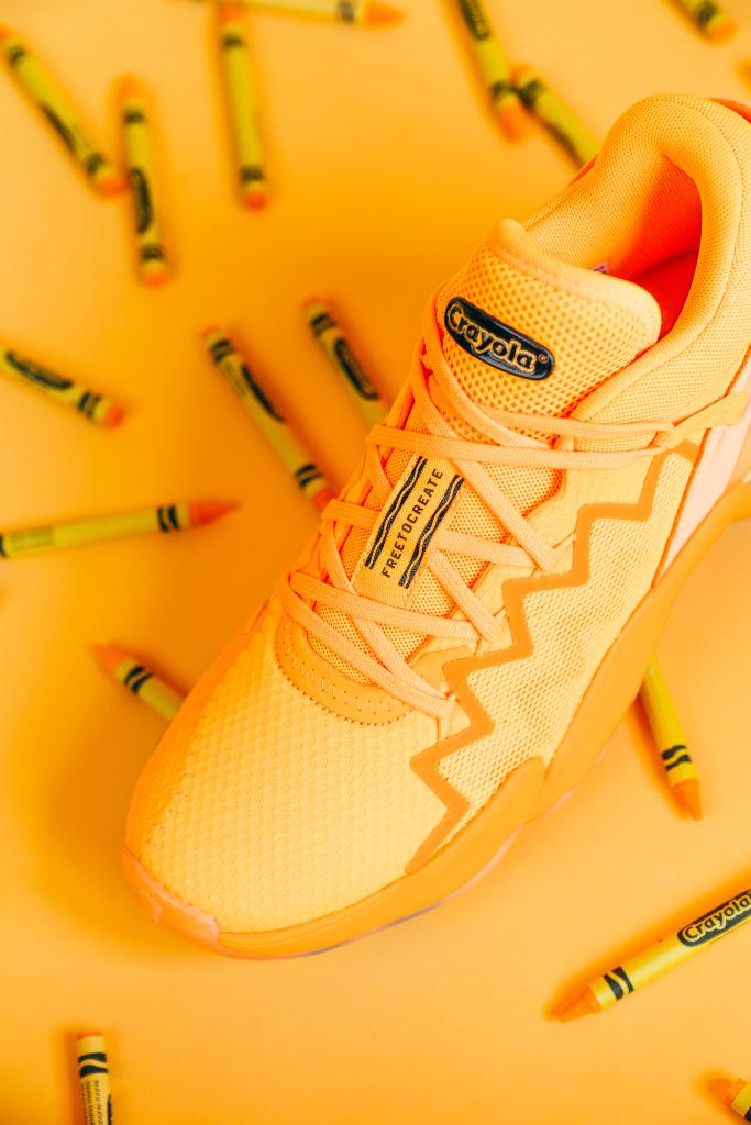 C O L O R S 🖍️ #adidas D.O.N. 2 'Crayola Pack' dropping October 2nd.  Which color is your favorite? https://t.co/3NG5Iw02pq