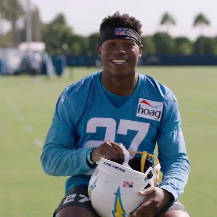 this kid is all smiles 🤣 @SmoothplayJK | #BoltUp