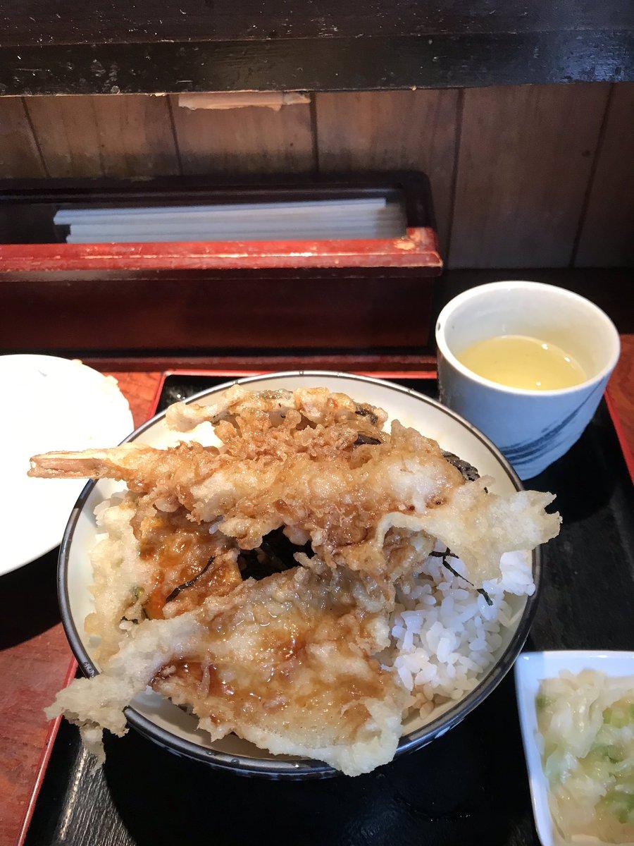味とコスパ良すぎるランチの駄菓子屋さん!天丼660円でご飯大盛り無料も嬉しい😋 六本木 駄菓子屋