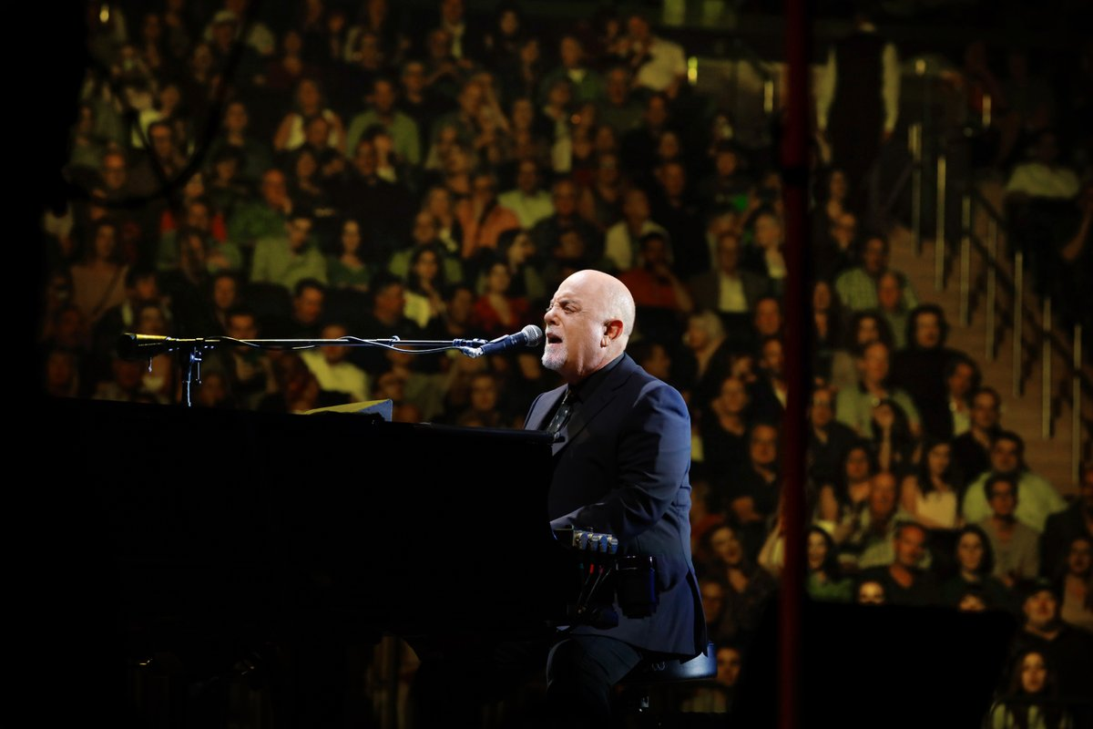 Billy performed at @thegarden on this day last year. Were you there? 📍  📸: Myrna Suárez https://t.co/CgbPG9eVu1