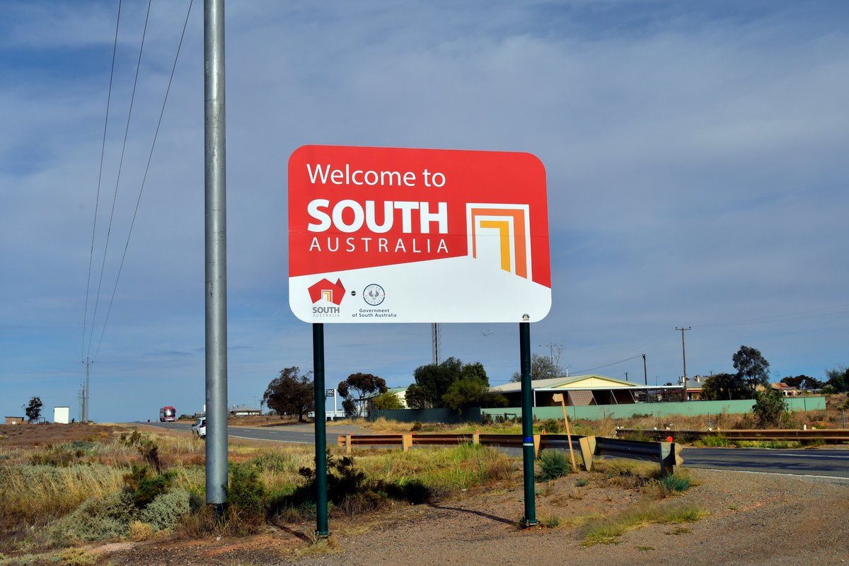 Starting today South Australia has opened its borders with New South Wales.   If you are a heavy vehicle operator travelling from #NSW or #VIC into #SouthAustralia here's more information on entry and testing requirements: https://t.co/9N5j5eb0lG  #COVID19Aus #COVID__19 https://t.co/CCXBN4LpaP