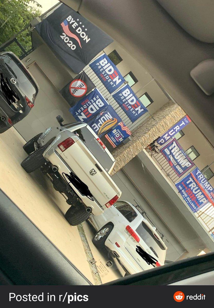 Un poco divididos en esa casa de Estados Unidos... @ricardoamadoc