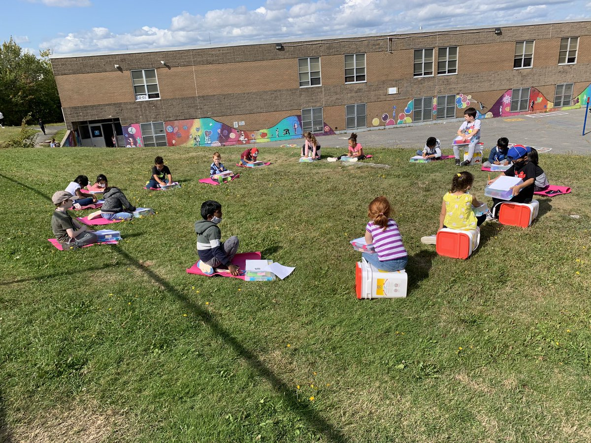 It was a beautiful afternoon for the Primary/Ones to work on their writing outside today with their mats and lapdesks. They shared their plan for writing as well as their stories. We look forward to more learning experiences outside! @ChebuctoH @HrceLiteracy https://t.co/nmE0C4geLb