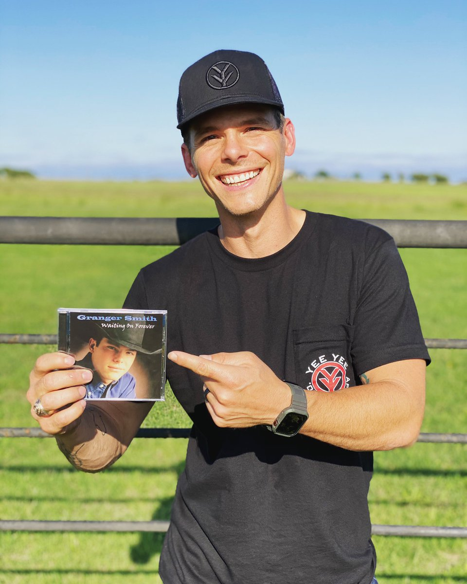 Wow. 20 years! I can't believe it's been that long since I put out this first little album. I wonder if this baby face had any idea the ride he was in for. 2 decades, 10 albums later, let me be the first to introduce you to my new album, #CountryThings Vol 1. tonight at midnight! https://t.co/8wkMZI4YKf