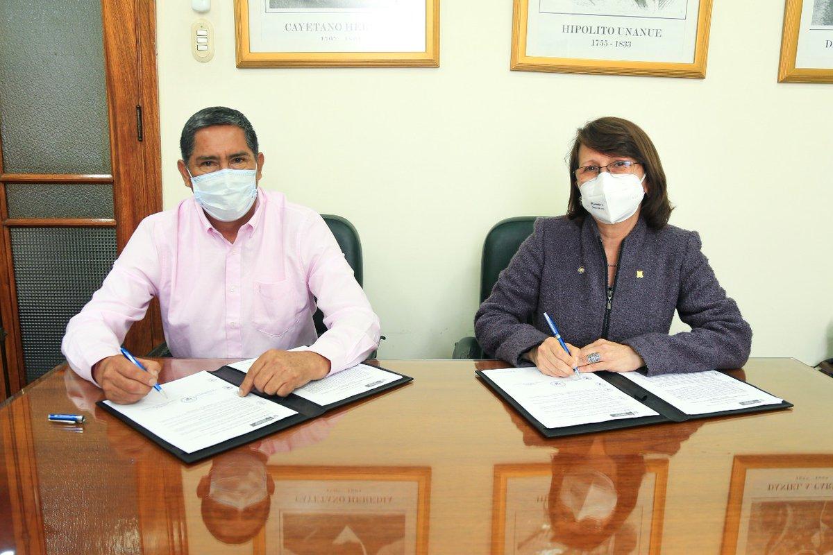 La ministra Pilar Mazzetti y el gobernador de Huánuco, Juan Alvarado, suscribieron un convenio de gestión que establece compromisos para fortalecer la atención sanitaria, las condiciones del personal de salud y el cumplimiento de metas institucionales en la región. https://t.co/IpFcrPp8A3