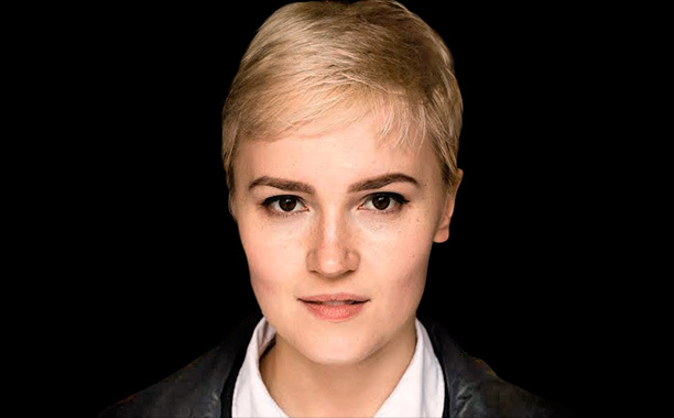 #Writing means not just staring ugliness in the face, but finding a way to embrace it. VERONICA ROTH  #amwriting #fiction #writelife https://t.co/qcZ1SdIvJC