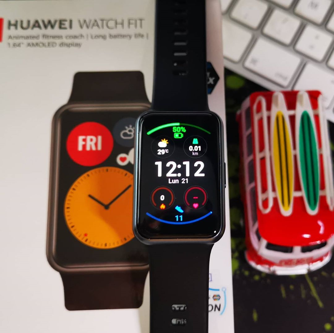 Vamos a ver ....... Cuanto ustedes quieren pagar por esta belleza ? .... Con batería que dura 10 días sin tener que volver a cargar?  #Huawei #Fit  .... #AndroidZoneStore ? https://t.co/TDUrupmDH1