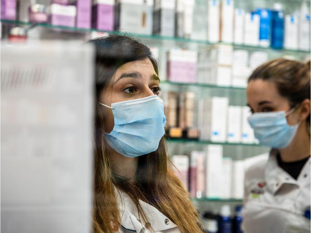 Concerns over safety, confusion over rollout of Ontario's pharmacy testing plan https://t.co/rJ4MLcWKWW https://t.co/UbK0zqLaAs
