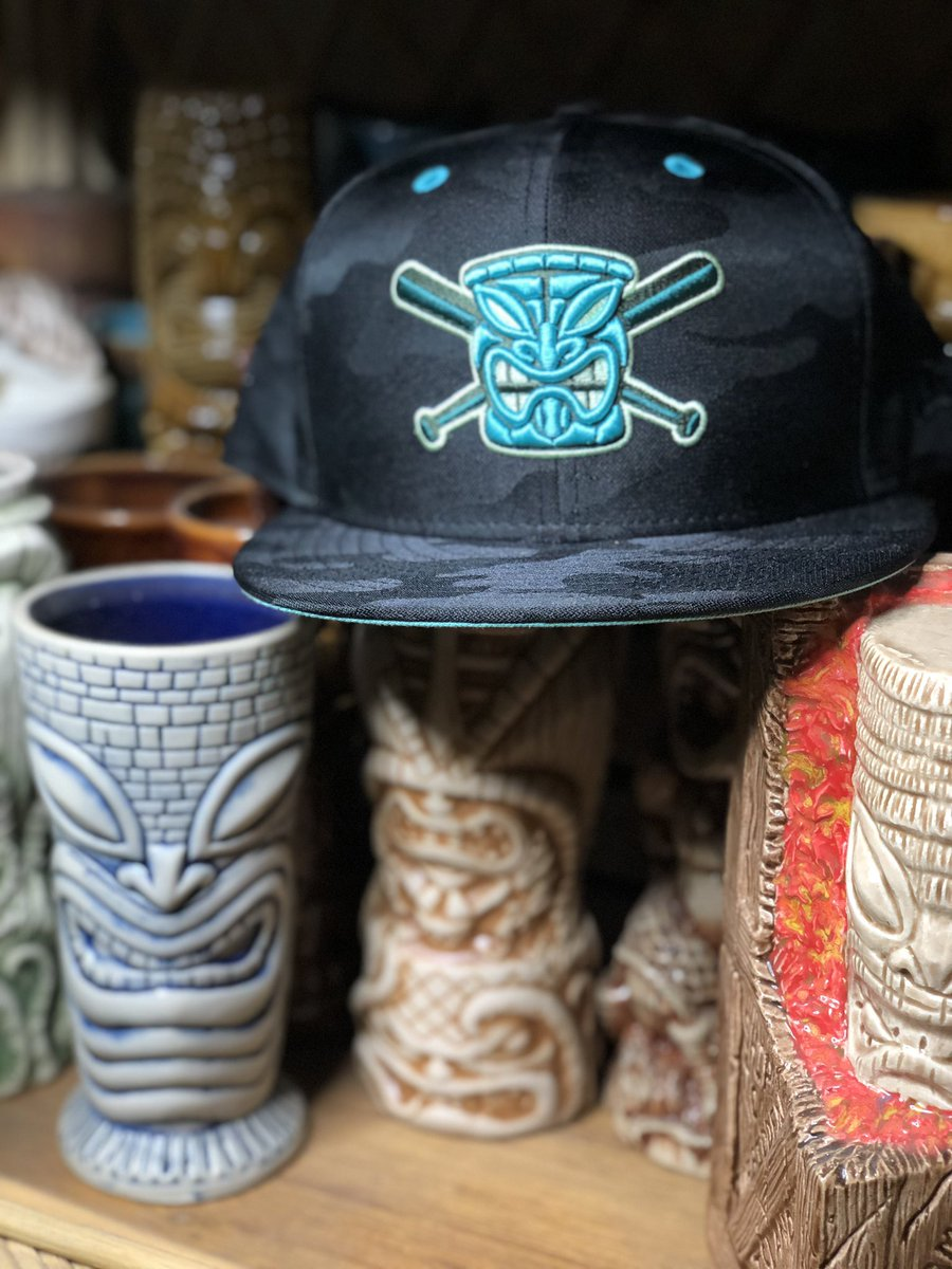 @chamucos_studio @HatClub did it again. Now it's right at home with friends. #hatclub #chamucosstudio #hat #cap #tiki https://t.co/6vDEGDMlAk