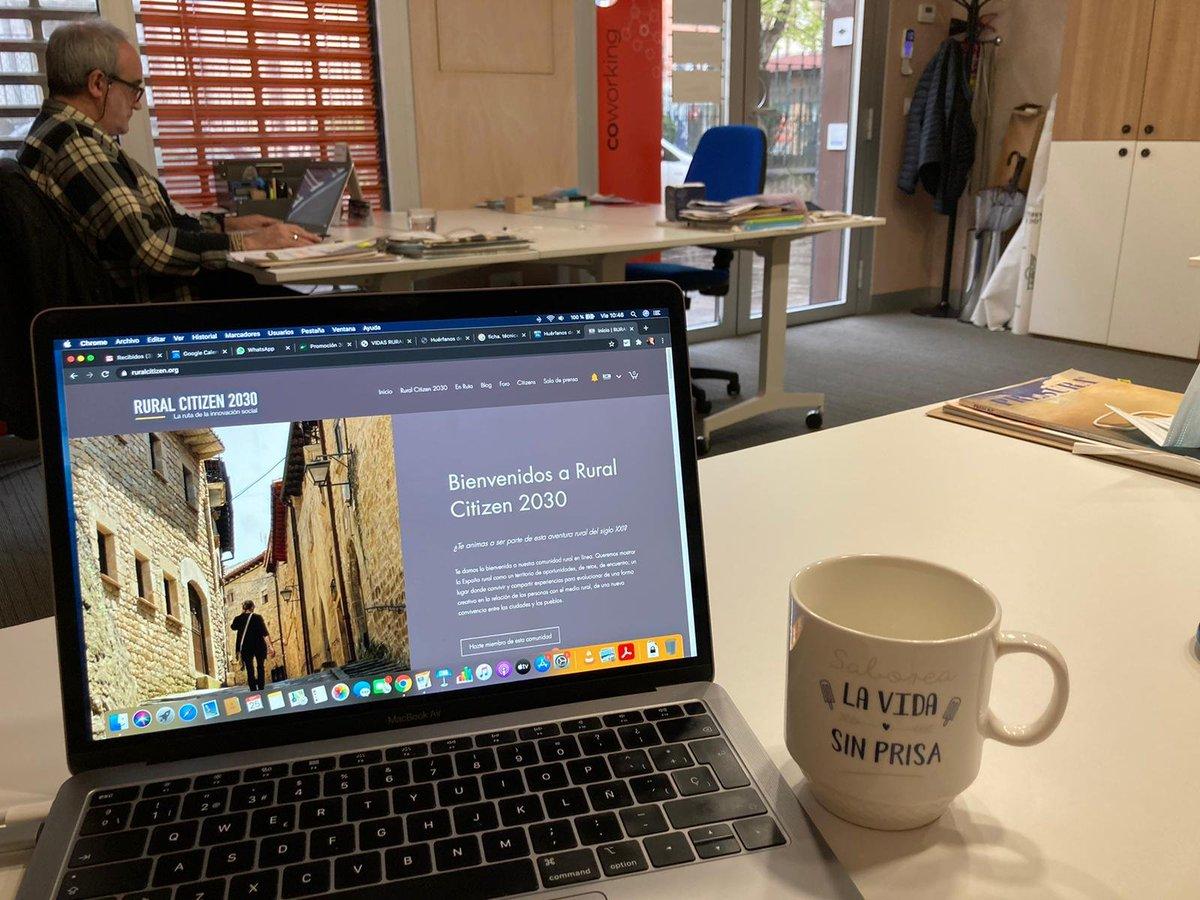 """El Día Después de la Jornada de @MontanAlavesa sabe a elaboración de informes, edición de vídeos, actualización de web, cafecito bien cargado... Pero eh, """"sin prisa"""" 🥴😂. ¡Muchas gracias una vez más por la acogida de ayer! ¡#FelizViernes y cuídense! 🌿https://t.co/WLzAufsGiB🌿 https://t.co/3rscUvw6B5"""