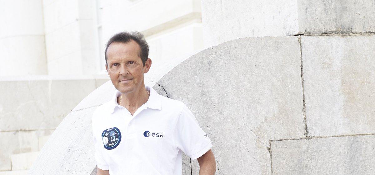 A lire: passionnant entretien avec Patrick Michel, investigateur principal de la mission de #défenseplanétaire #Hera et directeur de recherche au @CNRS / @ObsCoteAzur 👉 https://t.co/e4XGXn7DlB #MissionHera #astéroïde https://t.co/Qv6sHMr1I6