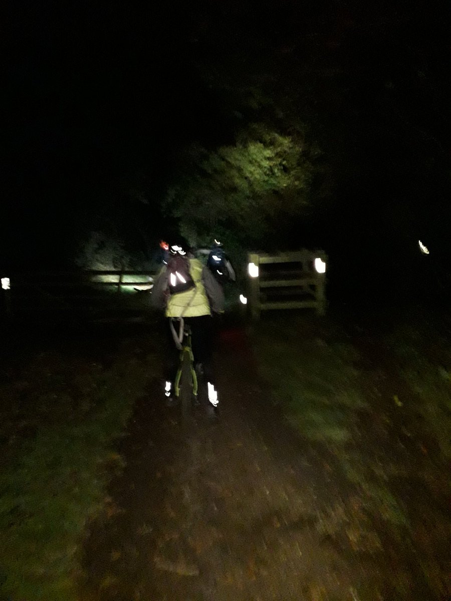 RT @stuart_strange: Lovely night ride with a few Windmillers yesterday. Definitely cooler but trails still firm for a gentle roll #GetOutside #Lutonoutdoors #366outdoorchallenge #activebedfordshire @OSleisure @teamBEDS @UKMTB_Chat @TotalMTB_