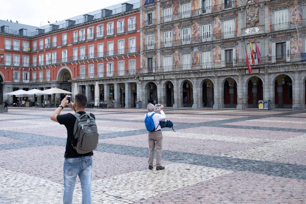 #Madrid to see 'difficult weeks', warns Spanish Health minister as #COVID19 cases increase   https://t.co/xQnioHmJLZ https://t.co/yWiKXoNreW