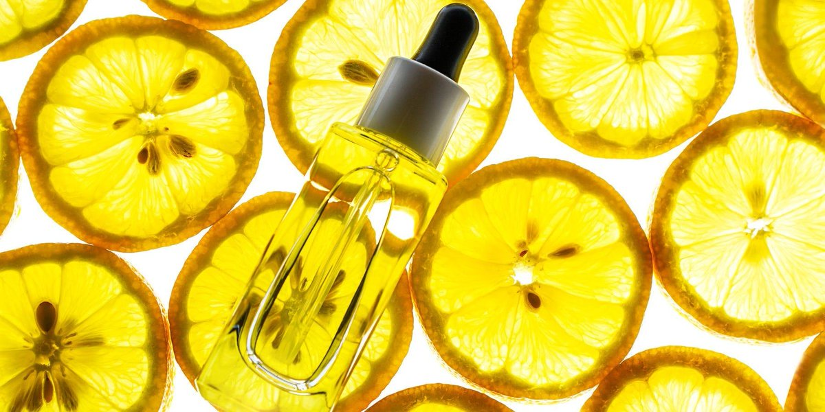 #Skincare | 5 skincare benefits of #VitaminC: How it can help reduce signs of aging, heal skin, and more   https://t.co/Wj95c3RWHh https://t.co/cFMeNypOqO