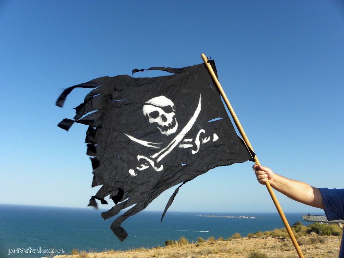 🏴☠️❤️🏴☠️ Welcome Pirates 🏴☠️❤️🏴☠️ #sailing #sailor #sealovers #ocean #travel #coast #seaside #beachlife #beach #VisitSpain  #Spain #España  #CostaBlanca #playa  #mediterranean  #mediterraneansea  #Mediterráneo #blue #azul  #privatedock https://t.co/mtCf6BqtcT https://t.co/6CF4pLL9wm