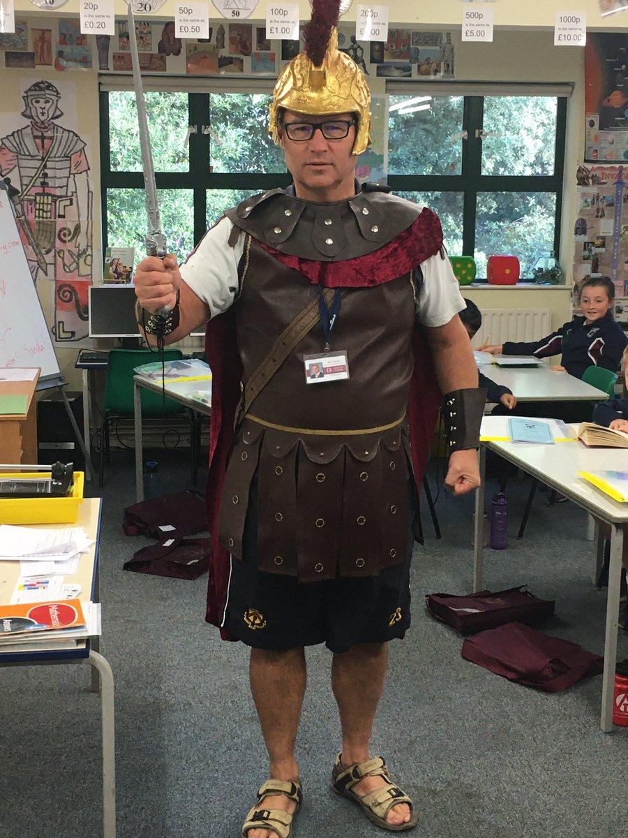 @TeacherToggery Fancy dress Friday @DeanCloseSchool https://t.co/GR44esE0Wi