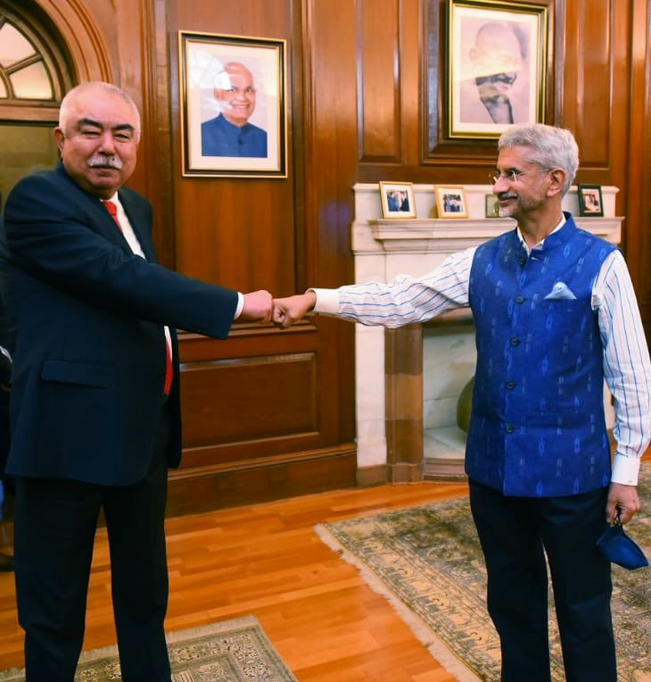 Glad to meet Marshal Abdul Rashid Dostum. Exchanged views on developments in Afghanistan and the larger region. His vast experience and deep insights were evident. India remains fully committed to an Afghan-led, Afghan-owned and Afghan-controlled peace process. https://t.co/D07OdGXO8W