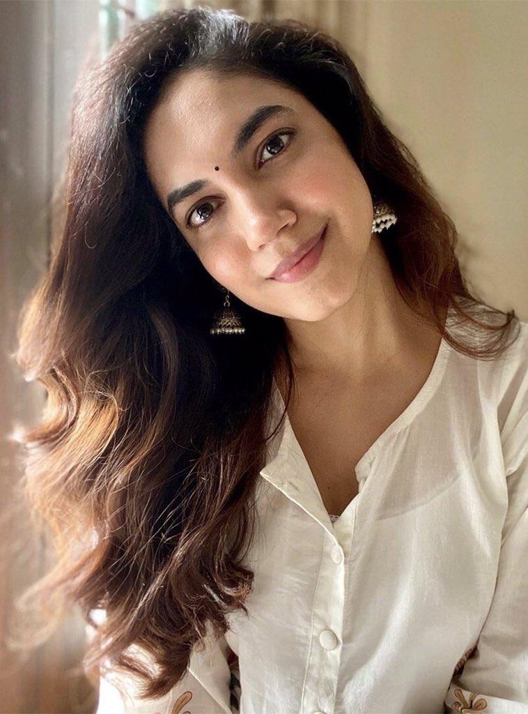 Gorgeous Actress #RituVarma ! @riturv ! #CineTimee ! https://t.co/768XeYnAXt