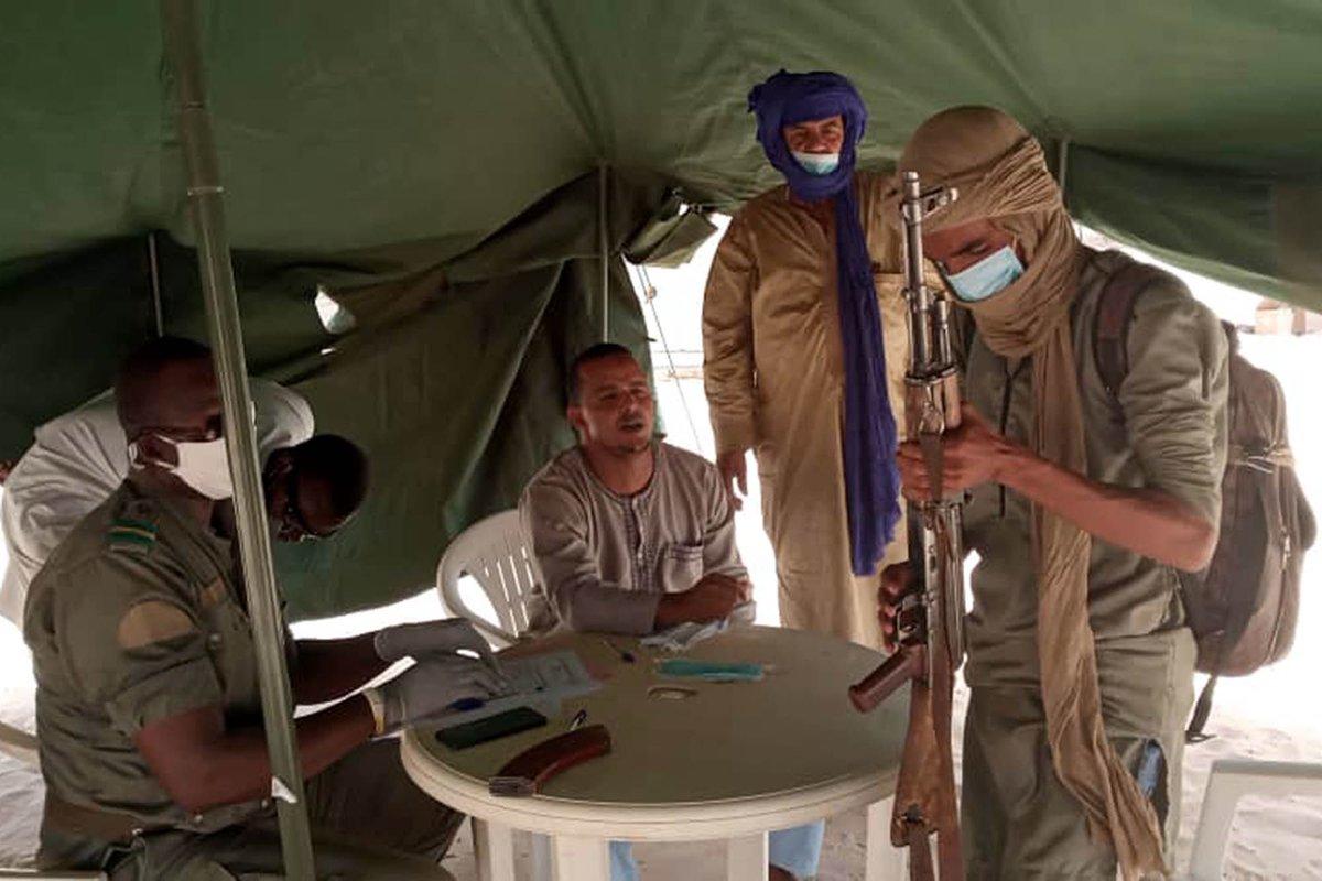 #PhotoDuJour – Une des tâches prioritaires du Mandat de la MINUSMA est d'appuyer les autorités maliennes à la mise en œuvre des mesures de défense et de sécurité relatives à l'appui au cantonnement, au désarmement, à la démobilisation et à la réintégration des groupes armés. https://t.co/EByVBdjN7Y