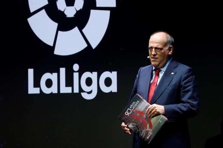 ⚽️ #DossierPalco23  🇪🇸 LaLiga se salva gracias a los Pactos de Viana y a Messi:  2⃣0⃣0⃣M€: el desembolso extra de LaLiga para la financiación del fútbol amateur y otros deportes.  1⃣9⃣2⃣1⃣M€: los ingresos de la patronal de esta temporada (-2,6%)  7⃣0⃣0⃣M€: la cláusula de Messi https://t.co/ta7C4ftkXD