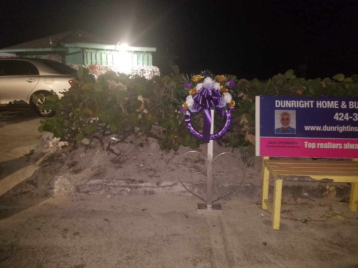 If you are in #nassau please take the time to visit this memorial. It was placed to honor Luann Joachim on bay street near the tiki bar. She was hit 11/13/19 and later died 11/15/19 from her injuries Her #killer is still on the loose. #justiceforluann #bahamas #police #corruption https://t.co/g8fBAyHQKO