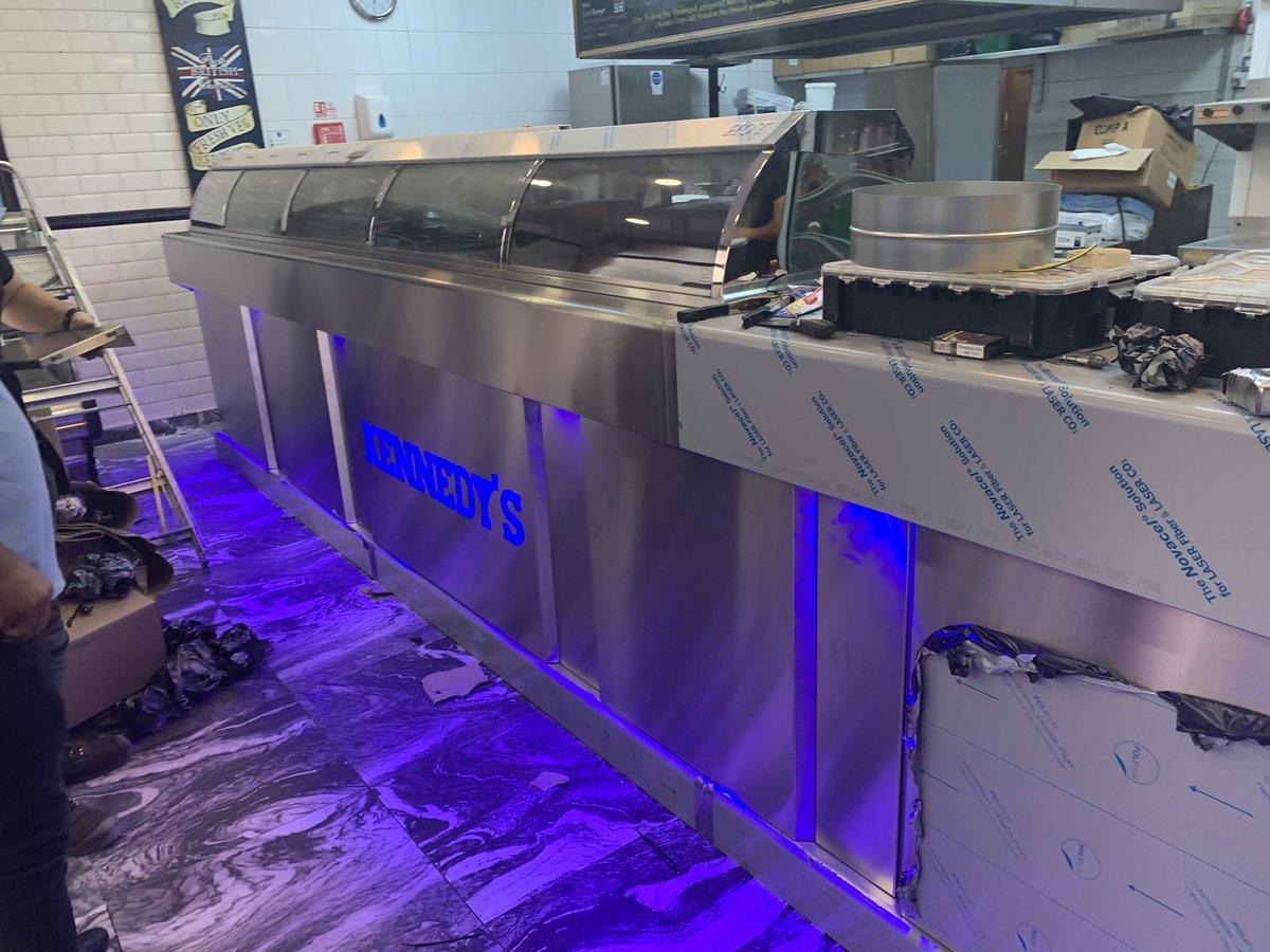 Hopkins @kennedys Counter range 4 pan built in griddle good luck☘️  01132577934 sales@hopkins.biz https://t.co/SqohZpFqBt  #fish #takeaway #hopkinscateringequipment #london #leeds #pudsey https://t.co/OlC9CiQQeZ