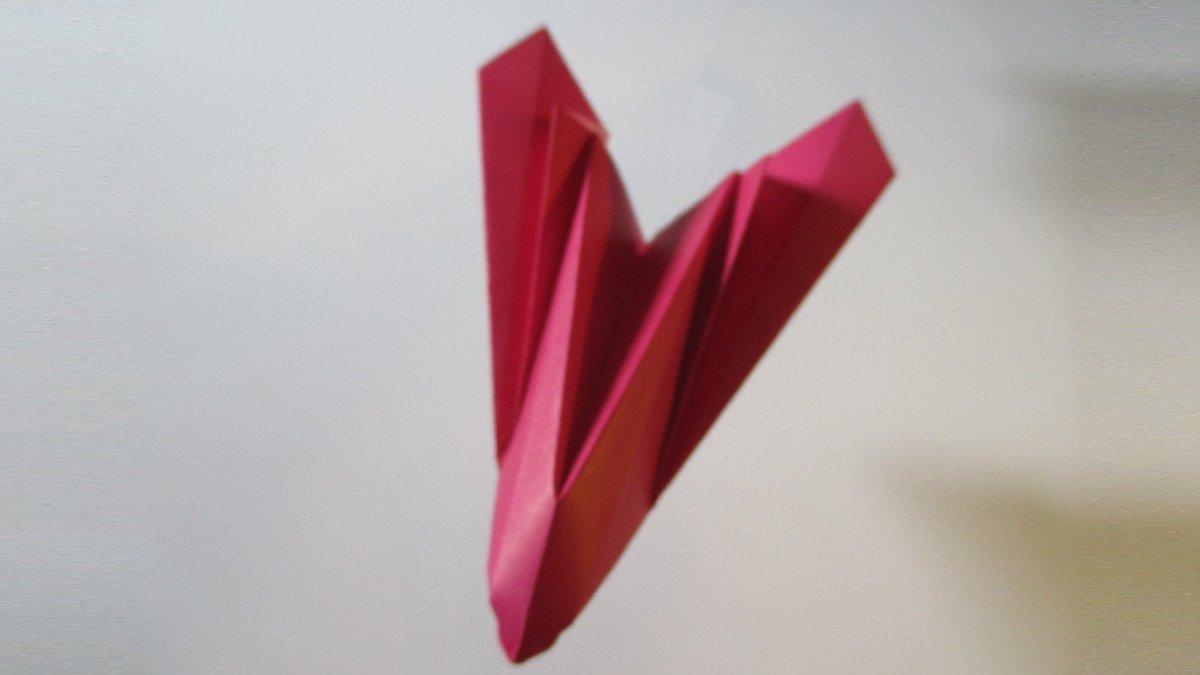 聖書《しかし、あなたがたは先生と呼ばれてはいけません。あなたがたの教師はただ一人(イエス)で、あなたがたはみな兄弟だからです。  マタイ23:8》 #origami  #折り紙 #おりがみ飛行機 #アート #折り紙作品  #創作 #art  #paperplanes #紙ヒコーキ  #みことば #paperairplane #飛行機 作品紹介! https://t.co/Knsbj7cfI5