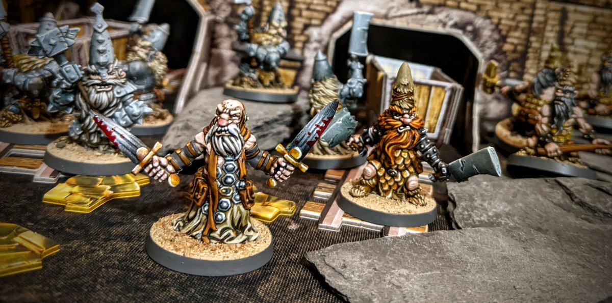 Closing out the Dwarves for Massive Darkness we have the Dwarf Agent. I love how this one turned out, so much character and expression.   #Cmongames #MassiveDarkness #Coolminiornot #boardgames https://t.co/TP4uoCw0Oo