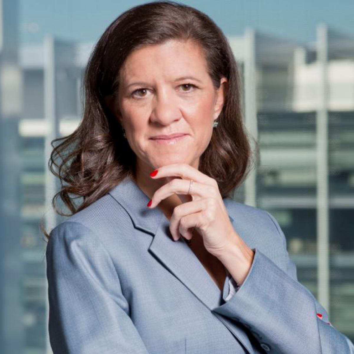 Orgullosos de anunciar que @MaviZingoni, nuestra directora general de Negocios Comerciales y Química y presidenta de Electricidad y Gas de Repsol, ha sido nombrada presidenta de @Enerclub, asociación clave para el sector energético español https://t.co/TcdGlgNeSd https://t.co/IDGTsoUIRC