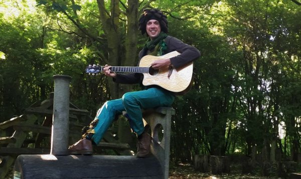 Tonight is the first ever performance of a brand-new show from @johnny_acecraft with @FoundryWood: https://t.co/qNRuR6FcqI Part of #LiveLocalLivingroom, it features songs about people's relationship with nature during lockdown. #BestWarwickshire #CreativeCareCW #CreateWell2020 https://t.co/MfjB08xrqr