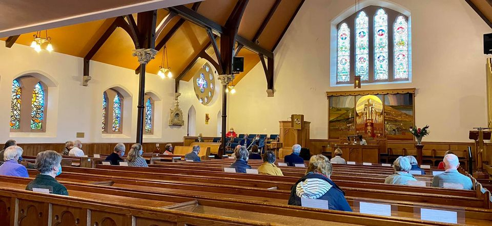 The first in-person service since the March lockdown has been held at Cardross Parish Church. Read more: helensburghadvertiser.co.uk/news/18747882.…