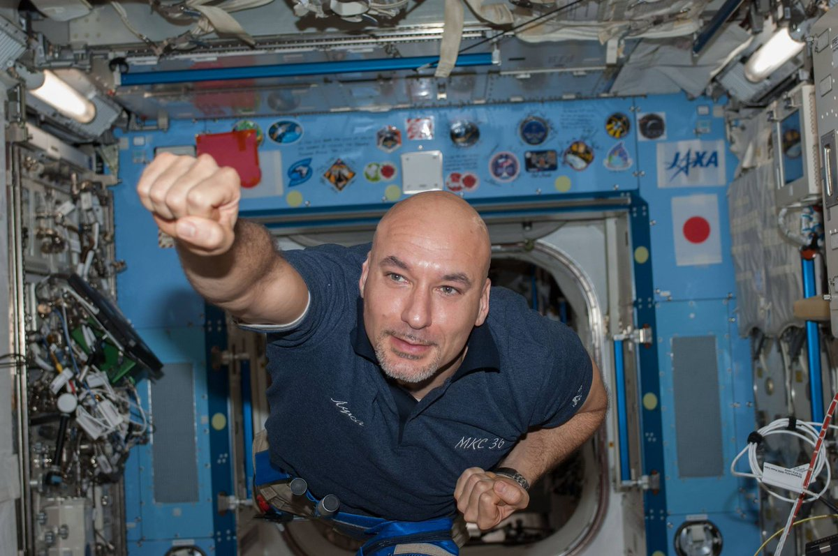 #HappyBirthday to #ESA astronaut @astro_luca Parmitano, (27 September 1976)! Veteran of #Volare mission on Soyuz TMA-09M & Expeditions 36/37 to  @Space_Station in 2013 & the #Beyond mission in 2019 @ESA_Italia @esaspaceflight @NASAhistory 👉 https://t.co/cP6AVZV2qT https://t.co/fssWIZudh3